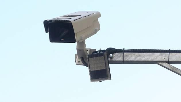 Silnice sleduje už sedm kamer. Nejnovější monitorují silnici před Lechovicemi