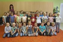 Žáci 1. třídy z Tyršovy ZŠ v Brně s třídní učitelkou Ivanou Zahradníčkovou.