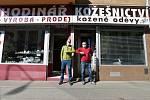 Zpátky do práce. Řemeslníci ve Štefánikově ulici v Brně - 21.4.2020.