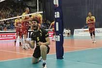 Nahrávač Zdeněk Haník se raduje při zápase volejbalistů Brna proti Dukle Liberec.