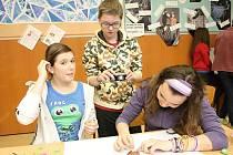 Děti z bystrcké Základní školy Laštůvkova strávily ve škole noc.