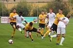 Fotbalisté Rosic (na snímku ve žlutých dresech) v přípravě změří síly s Vyškovem.
