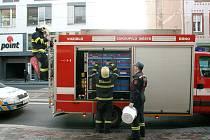 Zásah hasičů v brněnské ulici Milady Horákové, kde ze zrezvělé nádoby vytekla nebezpečná rtuť.
