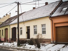 Čtyřiasedmdesátiletou důchodkyni našli v jejím domě v Pršticích příbuzní bez známek života.