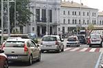 Chystané zákazy odbočení před vlakovým hlavním nádražím a hotelem Grand v Brně.
