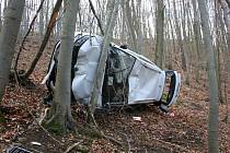 Padesátiletý muž z Brněnska přišel o zánovní auto poté, co zapomněl zatáhnout brzdu.