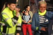 """Záchranáři, hasiči a policisté uspořádali na Moravském náměstí v Brně akci zaměřenou na prevenci v dopravě s názvem """"Ať nás vidí, ten kdo řídí""""."""