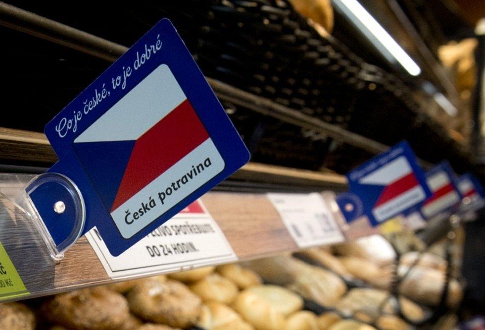Prodej potravin v supermarketu - ilustrační foto.