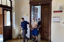 Odvolací Krajský soud v Brně v úterý muži za znásilnění potvrdil tři roky vězení a protialkoholní ústavní léčení.