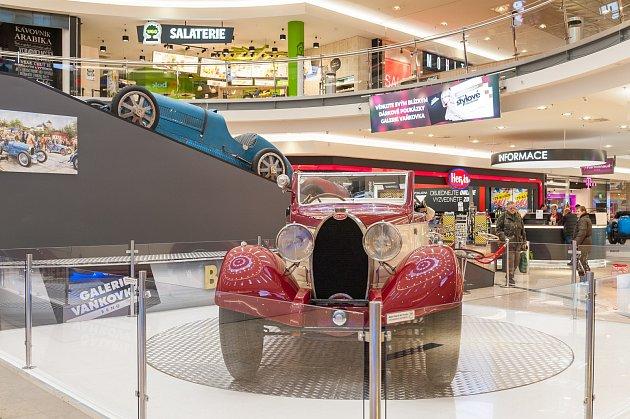 Značka Bugatti oslaví 110 let od svého založení výstavou v Galerii ... 57b2310120