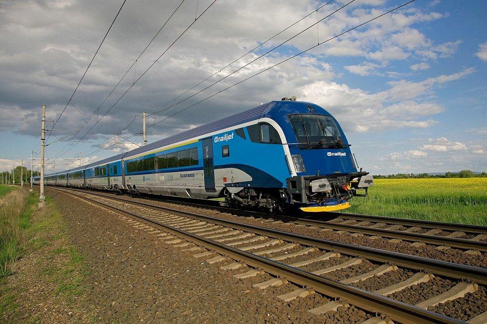 Od úterý začínají jezdit přímé vlaky Českých drah z Berlína do Štýrského Hradce. Přes Brno a Břeclav.