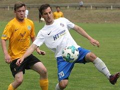 Fotbalisté Bosonoh (v bílém) v závěrečném duelu aktuálního ročníku krajského přeboru doma porazili Mutěnice 2:0 a v soutěži končí na devátém místě.