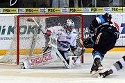 Šestý a poslední semifinálový zápas mezi domácí Kometou Brno v bílém a Tygrům z Liberce.