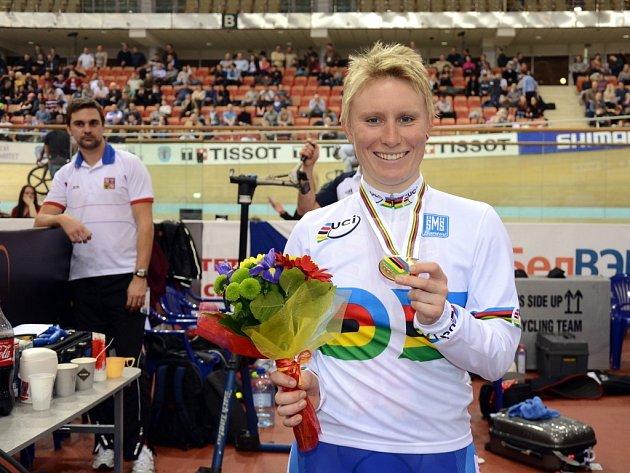 Jarmila Machačová se zlatou medailí z mistrovství světa v běloruském Minsku.