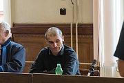 Robert Balász se u soudu zpovídá z těžkého ublížení na zdraví a výtržnictví.
