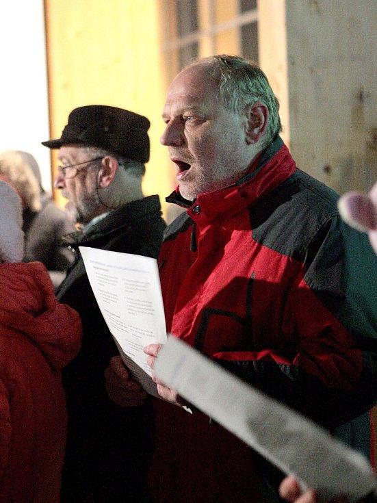 Do akce Česko zpívá koledy se zapojili také lidé v Bílovicích nad Svitavou.