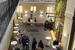 Otevření Hotelu, který neexistuje v Lídlově domě na Zelném trhu.