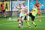 Líšeňští fotbalisté (v bílém Šimon Chwaszcz) remizovali ve třetím kole FORTUNA:NÁRODNÍ LIGY na domácím hřišti s Ústím nad Labem 0:0.