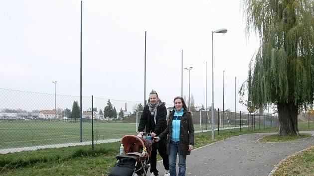 Sportovní areál u Hněvkovského ulice nabízí hřiště pro baseball, restauraci, posilovnu pod širým nebem, inline ovál i centrum pro mladé fotbalisty. Leží hned vedle cyklostezky, kam Brňané také často chodí na procházky.
