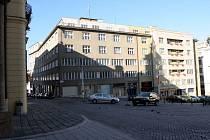 Na místě dřívějšího domu mincmistrů teď stojí opuštěný a chátrající palác Jalta.