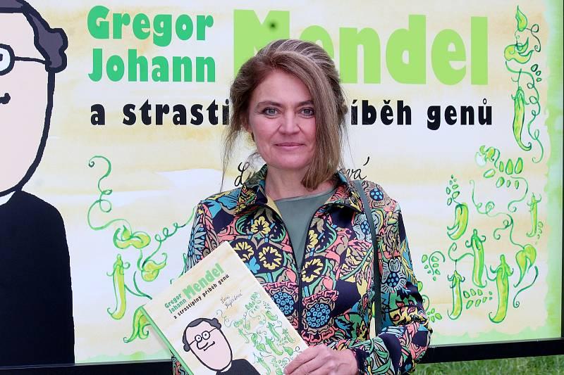 Dvousté výročí od narození Gregora Johanna Mendela uplyne v příštím červenci. Brňané jej oslaví pivním speciálem Mendelbier nebo vědeckou konferencí.