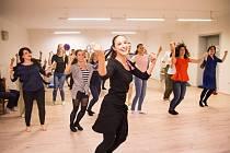 Nápad se původně zrodil na Slovensku, kde byla Fučíková v souboru lidových tanců. S jejím vedoucím Stanislavem Marišlerem se rozhodli přivést lidi k novému způsobu tance a sportu i v České republice.