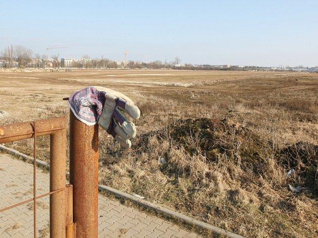 V průmyslové zóně Černovické terasy v Brně, kde měl původně vyrůst sklad společnosti Amazon, by mohla v budoucnu stavět tchajwanská firma HTC.