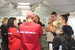 Zdravotníci z Fakultní nemocnice Brno se učí spolupráci v náročných podmínkách.