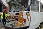 Poblíž brněnského Mendlova náměstí se v pondělí ráno srazily dvě tramvaje. Na místě se několik lidí zranilo.