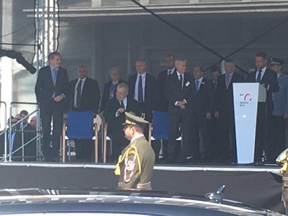 Prezident České republiky Miloš zeman zahájil zbrojařský veletrh IDET na brněnském výstavišti.