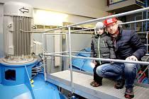 Malou vodní elektrárnu otevřelo pro všechny technické zájemce v sobotu Povodí Moravy. Lidé se tak mohli podívat do útrob vodní elektrárny, která stojí na břehu řeky Jihlavy.