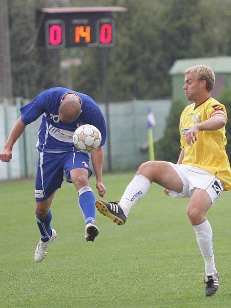 Útočník Petr Čejka (v modrém) poprvé skóroval v líšeňském dresu.