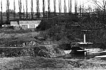 Sokolové areál odkoupili od armády. Chtěli v něm postavit loděnici a založit jachtařský oddíl. Tento záměr ale nevyšel, stejně jako představa o plaveckém bazénu.