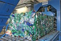 Sklo, papír nebo plastové lahve. Tak mohli Brňané doposud třídit odpad. Nová dotřiďovací linka v brněnské spalovně jim však umožní třídit i další druhy odpadů.