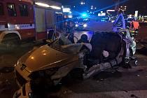 Tragická nehoda v Brně na křižovatce ulic Heršpická a Jihlavská. Srazilo se osobní a nákladní auto.