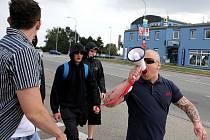 Extremisté v sobotu protestovali před brněnskou vazební věznicí.