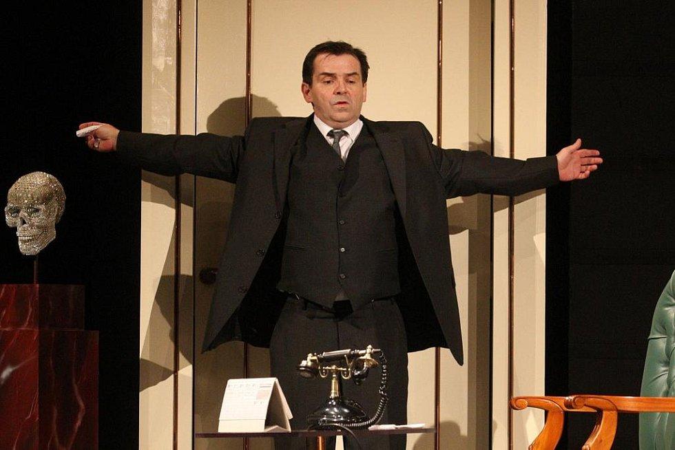 Zkouška hry Blbec k večeři v Městském divadle Brno.