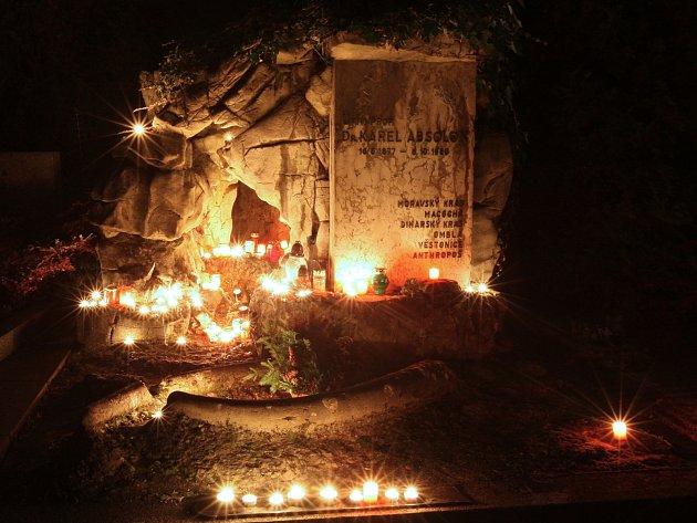 Hrob Karla Absolona.