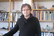 Rodák z Frýdku-Místku Marek Štěpán zakotvil po studiu architektury v Brně. Uznání získal především jako architekt sakrálních staveb.