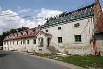 Pivovar v Sokolnicích na Brněnsku bude po více než osmdesáti letech nejspíš opět nabízet vlastní pivo. Majiteli zatím chybí stavební povolení.