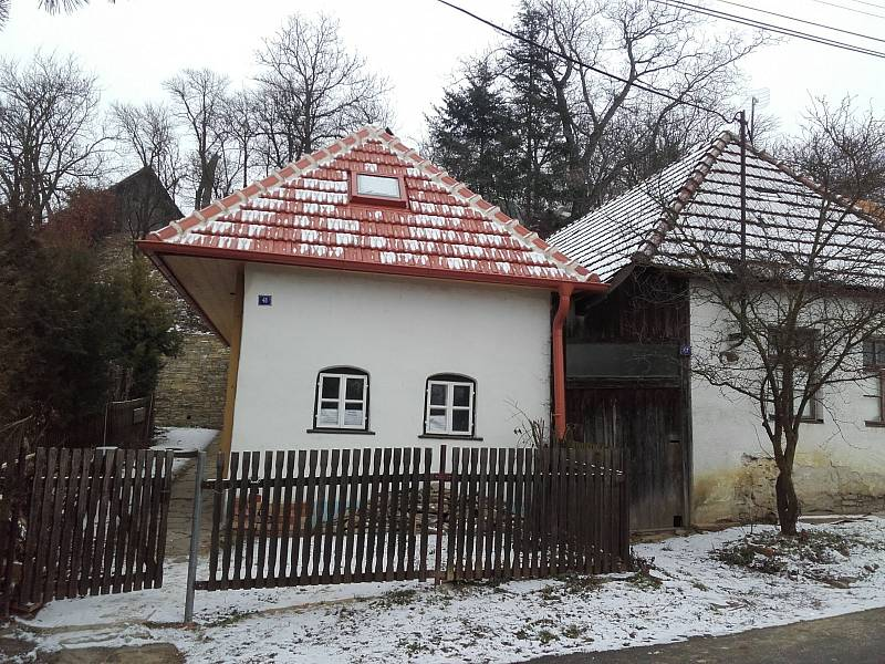 Venkovský dům v obci Javorník byl postaven kolem poloviny 18. století.