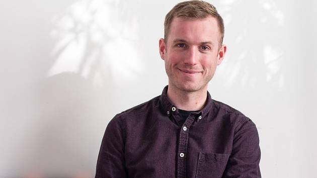 Brit Alastair Reid vede na brněnské Masarykově univerzitě kurz o hoaxech.