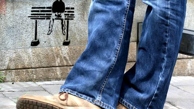 Záhadný streetart na Moravském náměstí
