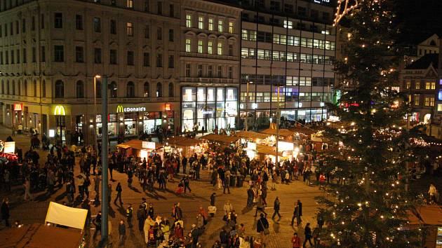 Vánoční trhy na náměstí Svobody.