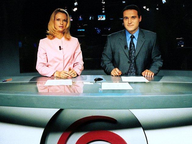 Pavla Charvátová prošla od roku 1997 televizí Premiéra, Českou televizí i televizí Nova, kde moderovala například s Pavlem Zunou.
