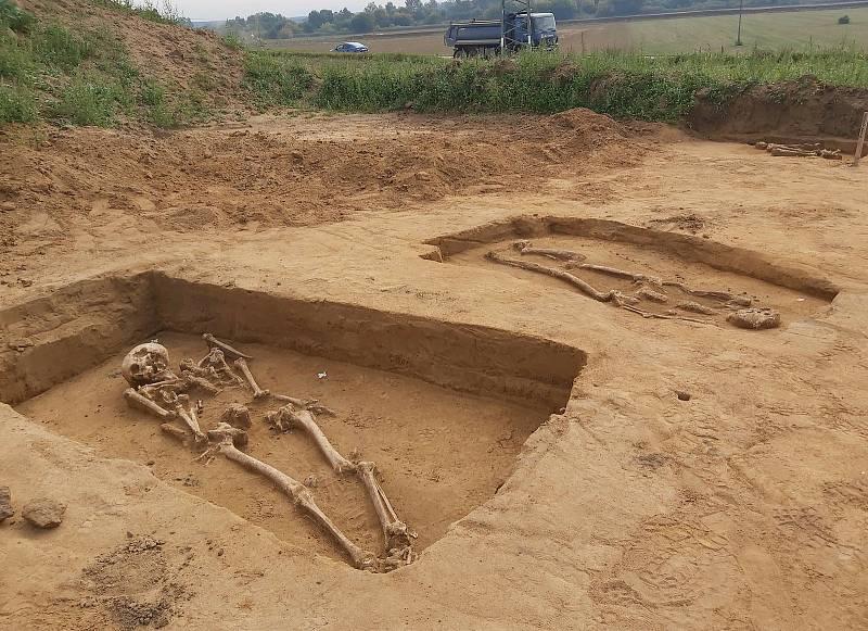 Záchranný archeologický výzkum na trase nového dálničního úseku mezi Moravským Pískem a Starým Městem.