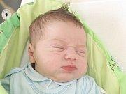 Denis Loj z Brna nar. 9.9.2016 v Nemocnici Milosrdných bratří v 18.23hod váží 3800gr a měří 51cm.