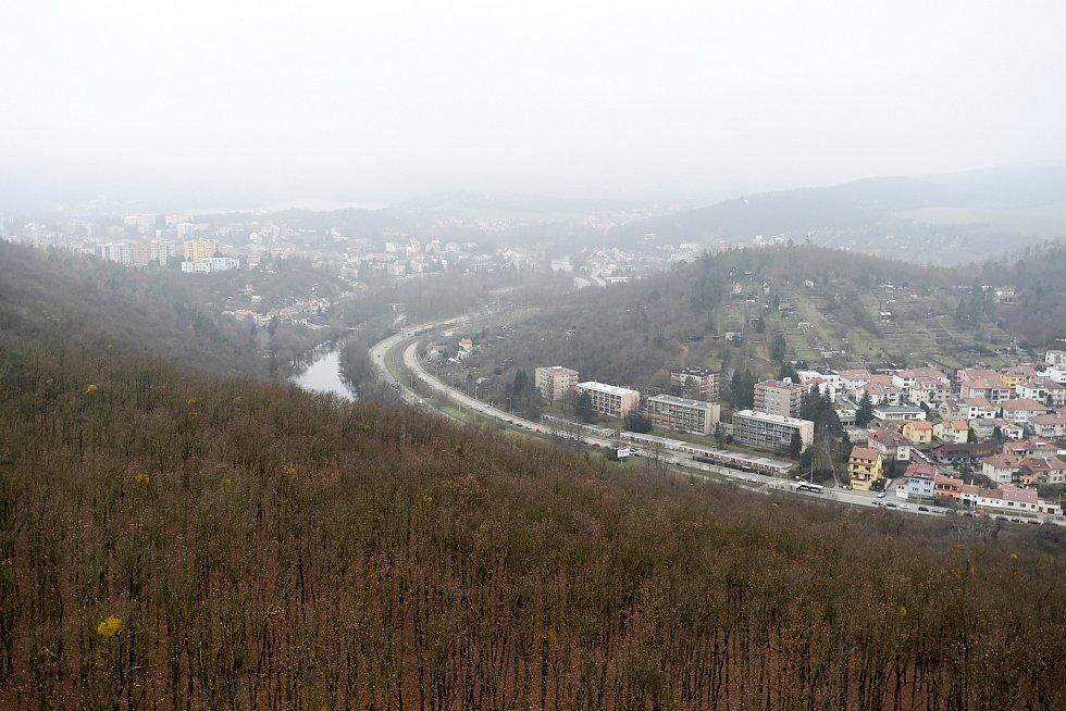 Brňané se mohou kochat pohledem na město z pětatřicetimetrové rozhledny Holedná.
