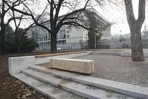 Zrekonstruovaný park na Moravském náměstí a u Janáčkova divadla.