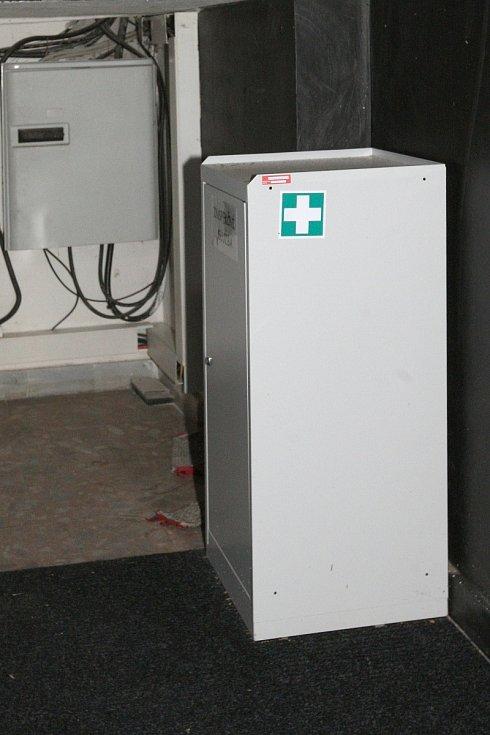 Defibrilátor v ZOO.